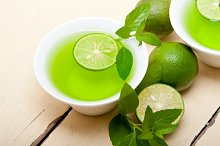 mint tea infusion with lime 039.jpg