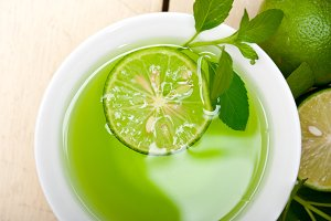 mint tea infusion with lime 041.jpg