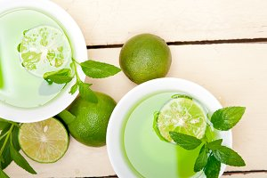 mint tea infusion with lime 044.jpg