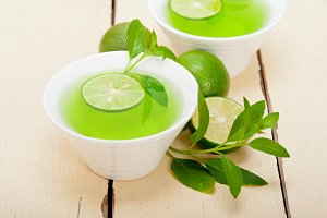 mint tea infusion with lime 048.jpg