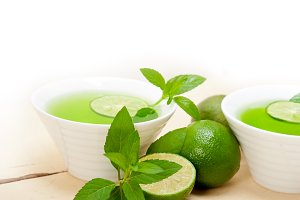 mint tea infusion with lime 052.jpg