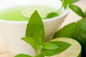 mint tea infusion with lime 054.jpg