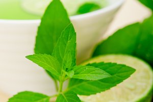 mint tea infusion with lime 055.jpg