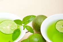 mint tea infusion with lime 057.jpg