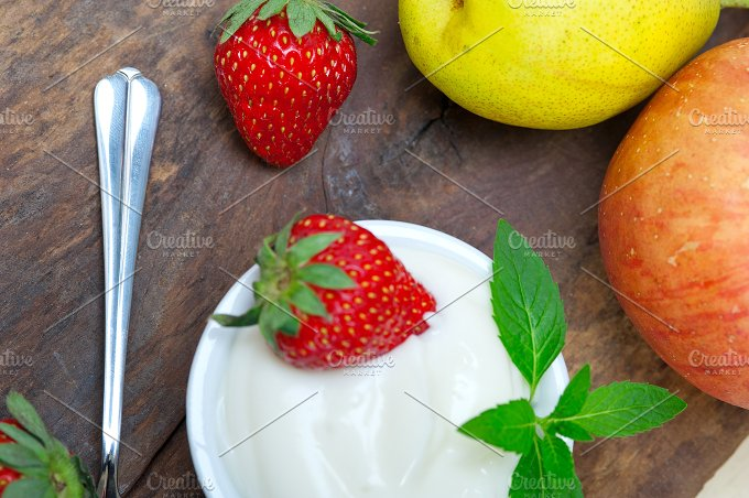 fresh fruits and organic yogurt 016.jpg - Food & Drink
