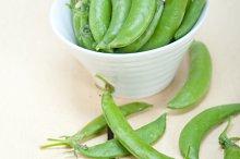 fresh green peas 001.jpg