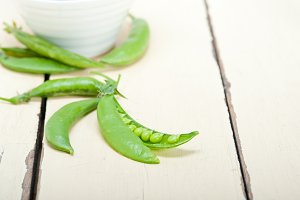 fresh green peas 019.jpg