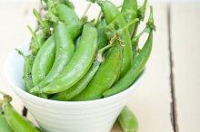 fresh green peas 023.jpg