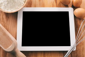 Cooking with digital tablet