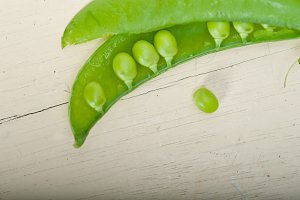 fresh green peas 047.jpg