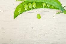 fresh green peas 049.jpg