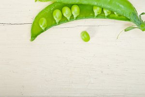 fresh green peas 049.jpg