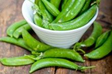 fresh green peas 056.jpg