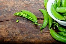 fresh green peas 062.jpg