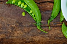 fresh green peas 065.jpg