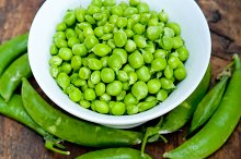 fresh green peas 070.jpg