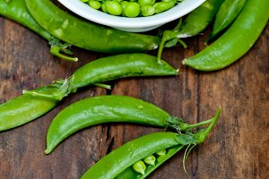 fresh green peas 070.jpg