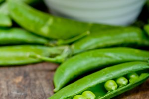 fresh green peas 073.jpg