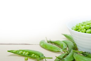 fresh green peas 093.jpg