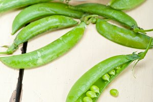 fresh green peas 097.jpg