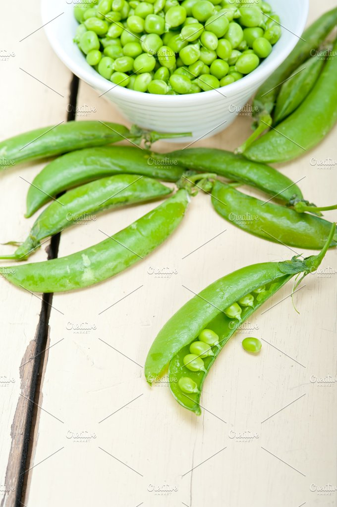 fresh green peas 097.jpg - Food & Drink