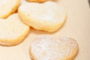 heart shaped cookies 019.jpg