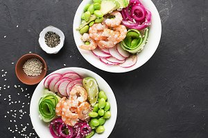 Fresh seafood recipe. Shrimp poke bo