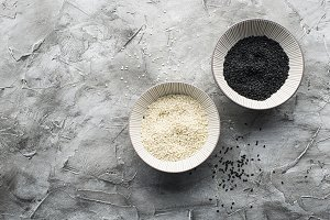 White and black sesame in the same c