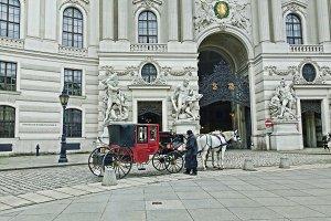 Hansom Cab in Hofburg Vienna