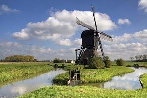 Noordeveldse windmill near Dussen