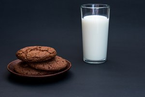 Milk and cookies. Easy snack. Breakf