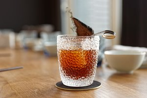 Tea-colored cocktail