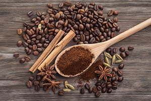 Coffee ground, coffee beans.