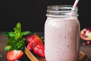 Strawberry smoothie in a jar