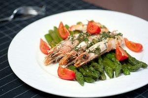 shrimps with asparagus
