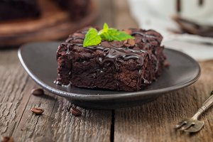Cake brownies with dark chocolate