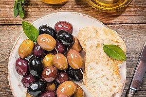 different olive fruites