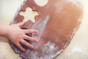 Baking gingerbreads.
