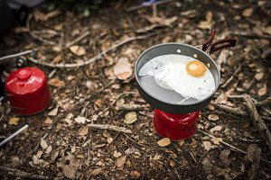 Fried egg on portable gas