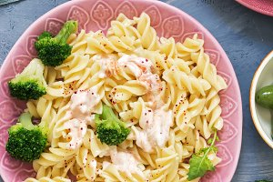 Pasta spiral with broccoli