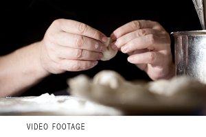 Making pelmeni