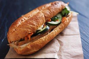 vietnamese bahn mi sandwich