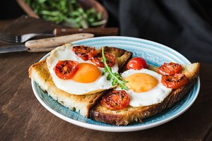 Breakfast toast with egg