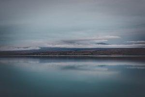 Minimal Lake Background Photo
