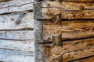 Wooden peaks / symetric