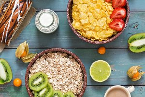 Muesli, corn flakes, strawberries