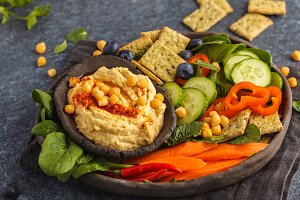 Hummus plate with vegetables