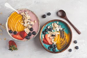 Berry smoothie bowls with mango