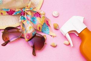 holiday accessories, sun hat, suntan