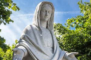 Statue of Virgina Mary